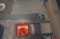 het brons wordt gesmolten op 1200 graden